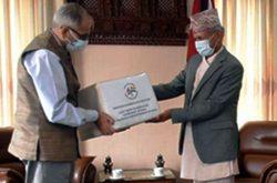 Indian Ambassador to Nepal Vinay M. Kwatra (L) handing over Remdesivir boxes to Foreign Minister Pradeep Kumar Gyawali at latter's office in Singh Durbar Tuesday. (Photo: Embassy of India)