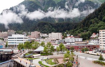 Downtown Juneau with Mount Juneau in background. Image: Alan Wu