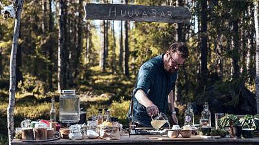 Emil Åreng, an award winning cocktail book author at Huuva Hideaway in the north of Sweden. Copyright Visit Sweden